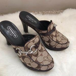 Coach  brown Cleo clogs sz6.5